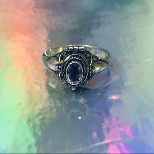 Jewelry - Vintage amethyst sterling silver poison ring
